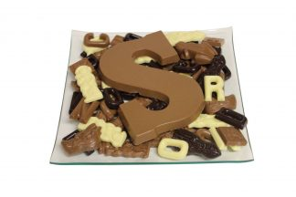 sinterklaas cchocolade op schaal met letter